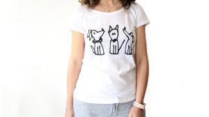 t-shirt trio cagnolini realizzata in cotone con stampa sublimatica disegno di marco ferrari per Toscani store marty